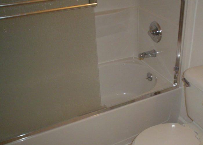 sterling vikrell tub shower